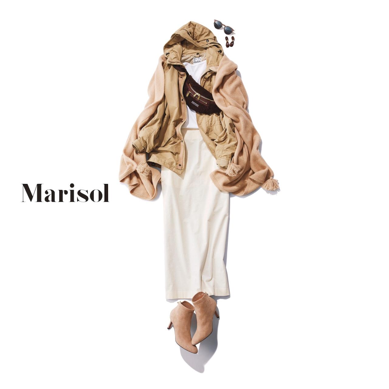 40代ファッション シャカシャカ素材のパーカ×スカートコーデ