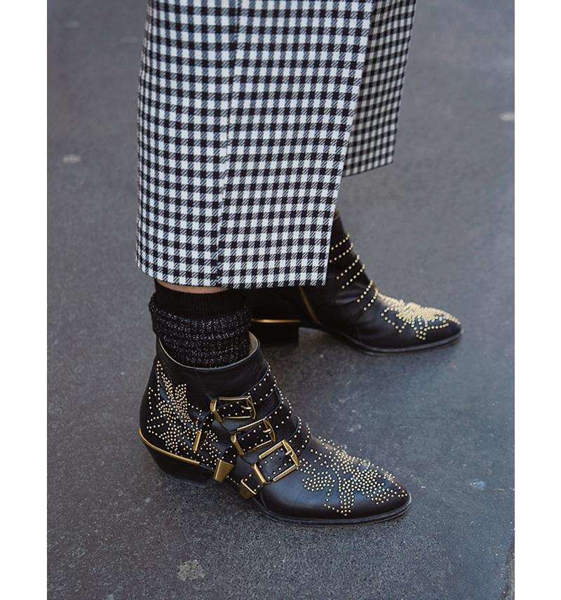 スタッズ靴