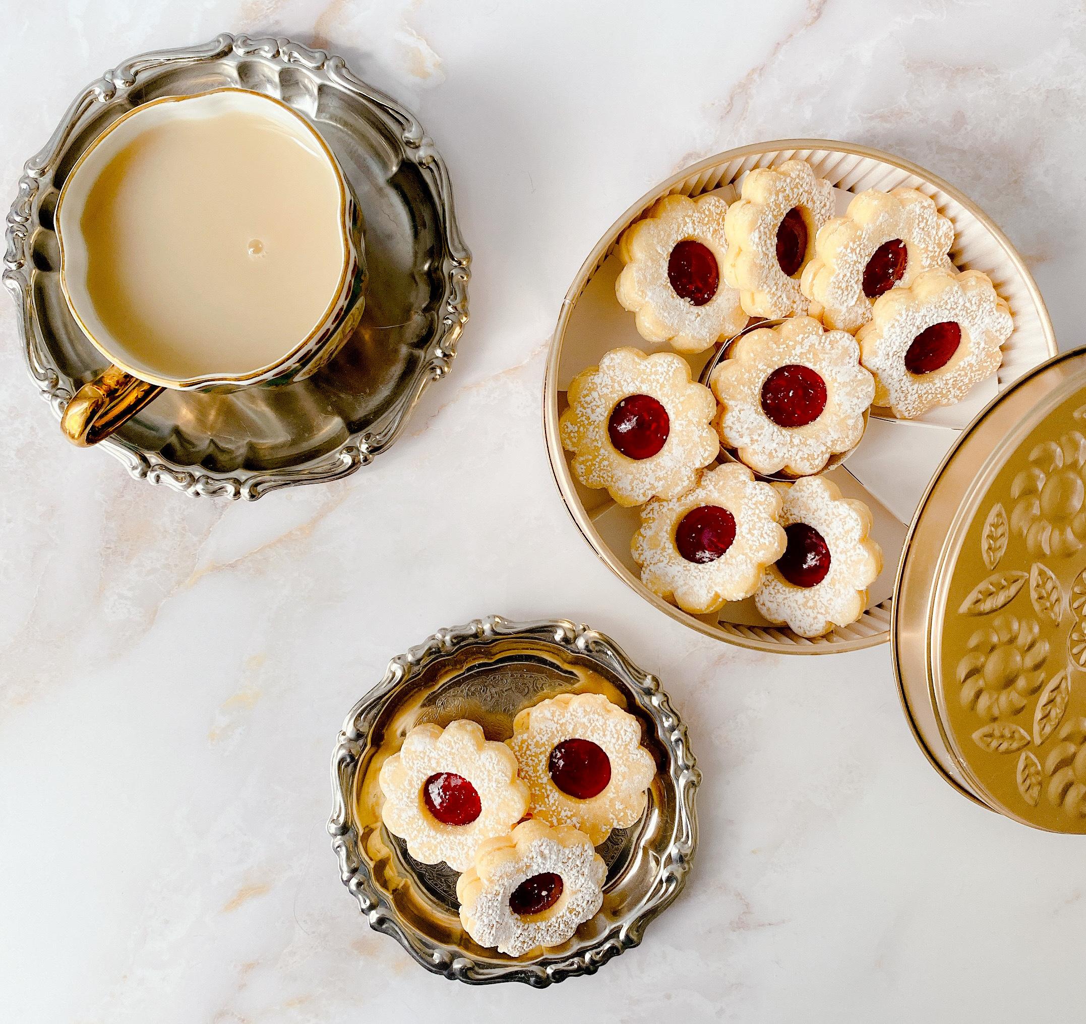 本店でしか手に入らない! マールブランシュのお花型クッキー「手作りジャムのデザートクッキー」でおうちカフェを楽しんで