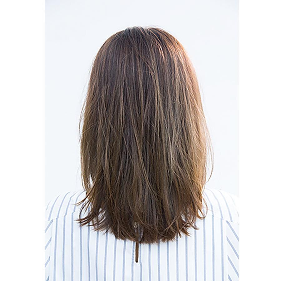 後ろから見た 40代に似合う髪型 ミディアムヘアスタイル人気ランキング7位