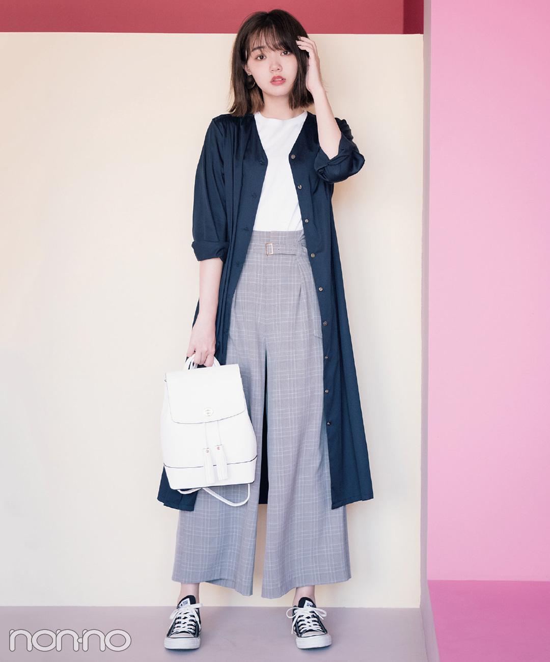 【秋のスニーカーコーデ】江野沢愛美は、秋色ワンピをスニーカーでハンサムに!