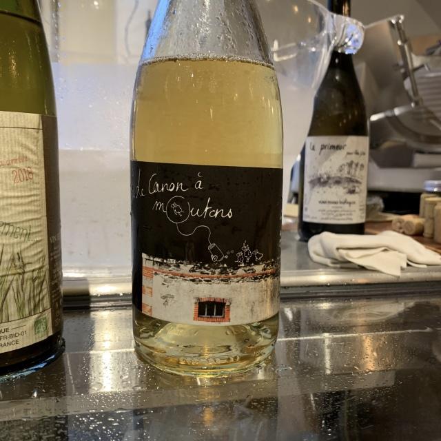 ハイセンスな空間で美味しいナチュラルワインが味わえるワインスタンド、ヒューマンネイチャー_1_3-2