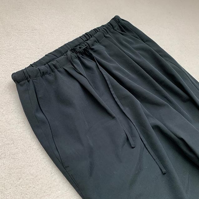 夏、「黒のパンツ」って履きますか?【エディター伊藤真知の「プチプラ」は40代からがもっと楽しい!#02】_1_7-2
