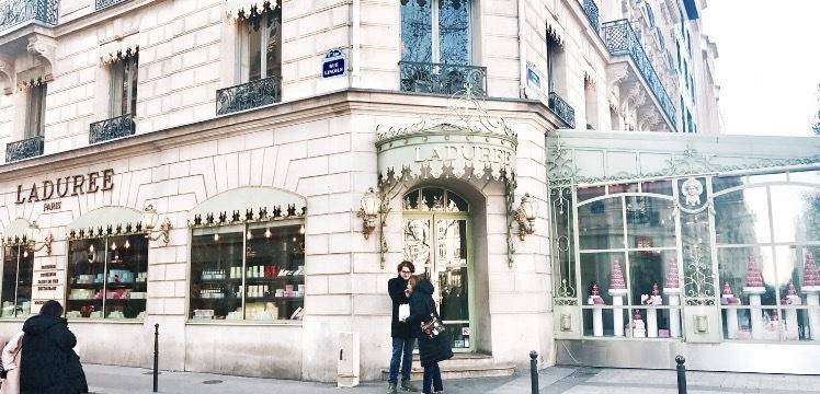 【パリ】全国の夢見がち女子へ。プリンセス気分を味うLadurée本店レポ♡_1_1