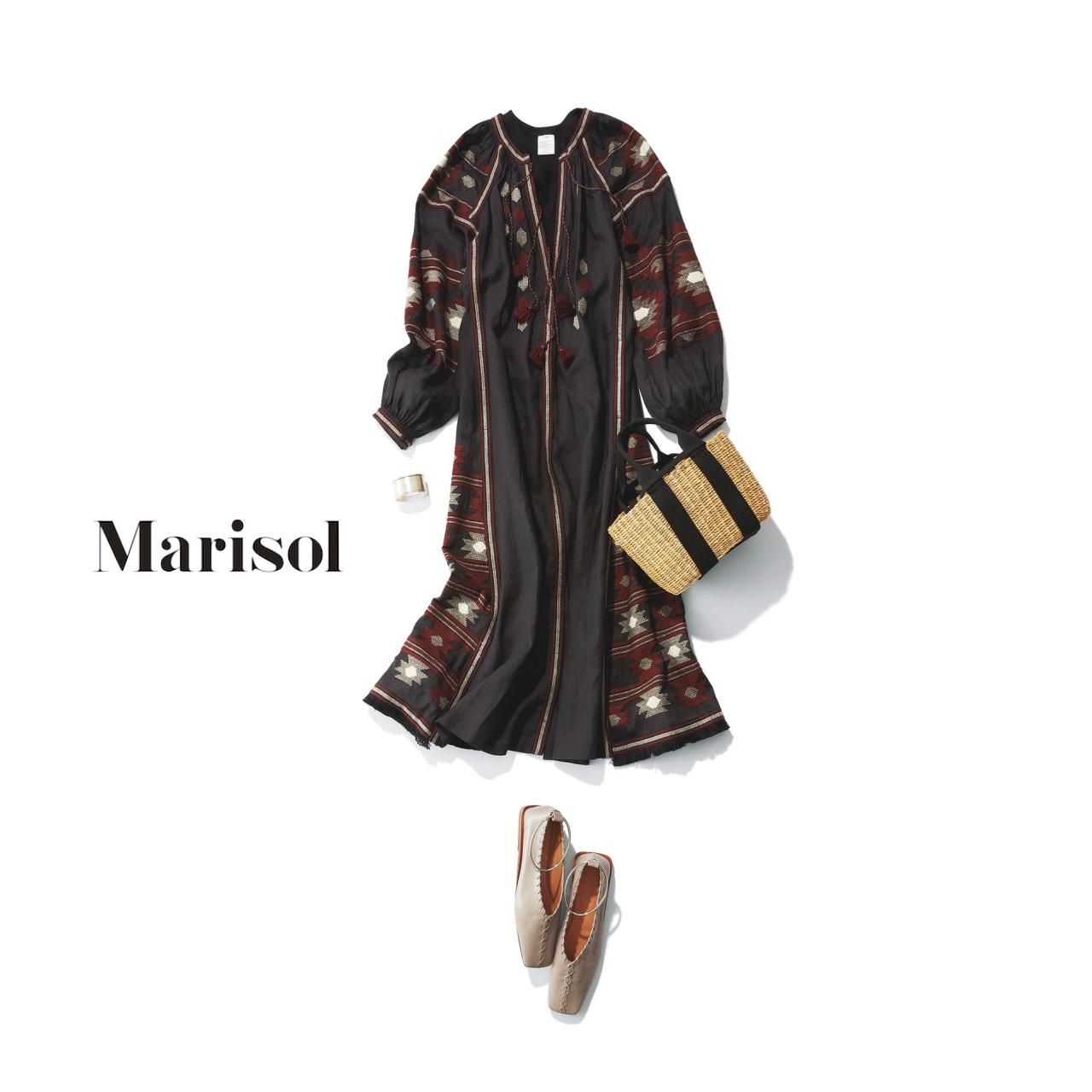 40代ファッション エスニック黒ワンピースコーデ