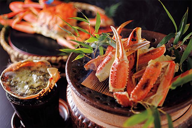 津居山や柴山などのブランドガニをひとり1杯食べつくす豪華なプランもあり