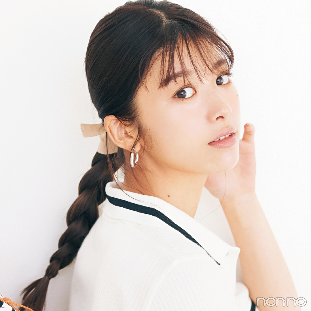 【ヘアレンジ】ビデオチャットで女子ウケ確実のおしゃれなタイト三つ編みをマスター!