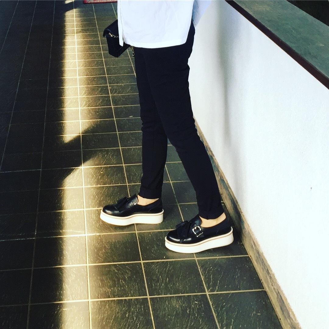 スニーカー以上フラットシューズ未満の靴はコレ!!_1_2
