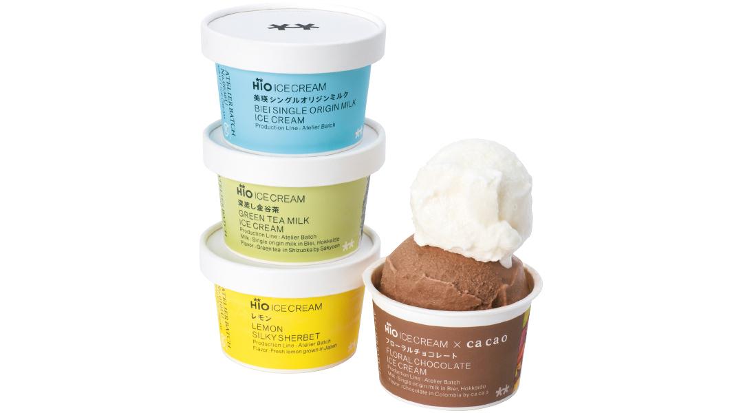 (左上)甘さすっきりの美瑛ミルク・(左中)濃厚ながら優しい深蒸し金谷茶・(左下)ピールたっぷりのレモンシャーベット・(右)じゅわっとカカオを感じるフローラルチョコレート(各)¥350/HiO ICE CREAMAtelier 自由が丘