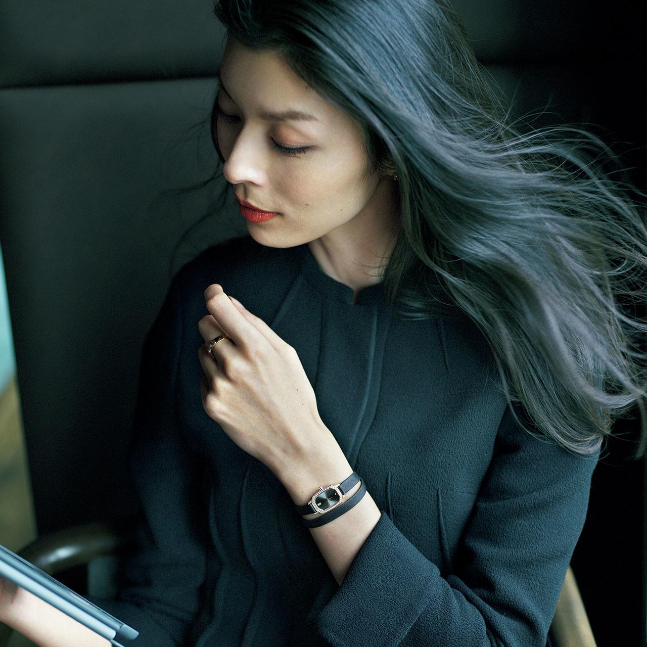 手もとに宿る品格、働く女性の最終仕上げ。華やかさと風格を添える腕時計 五選_1_1-4