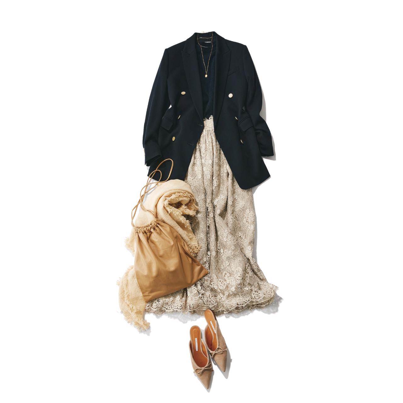 ■ベージュのレーススカート×ネイビーのダブルジャケットコーデ