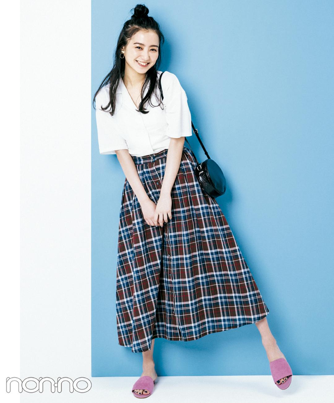 【夏のロングスカートコーデ】高田里穂は、マドラスチェックのスカートで飾らないオシャレを満喫
