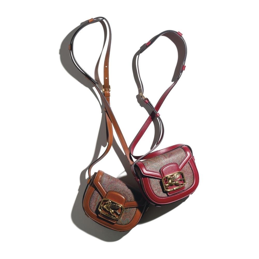 ファッション エトロのバッグ