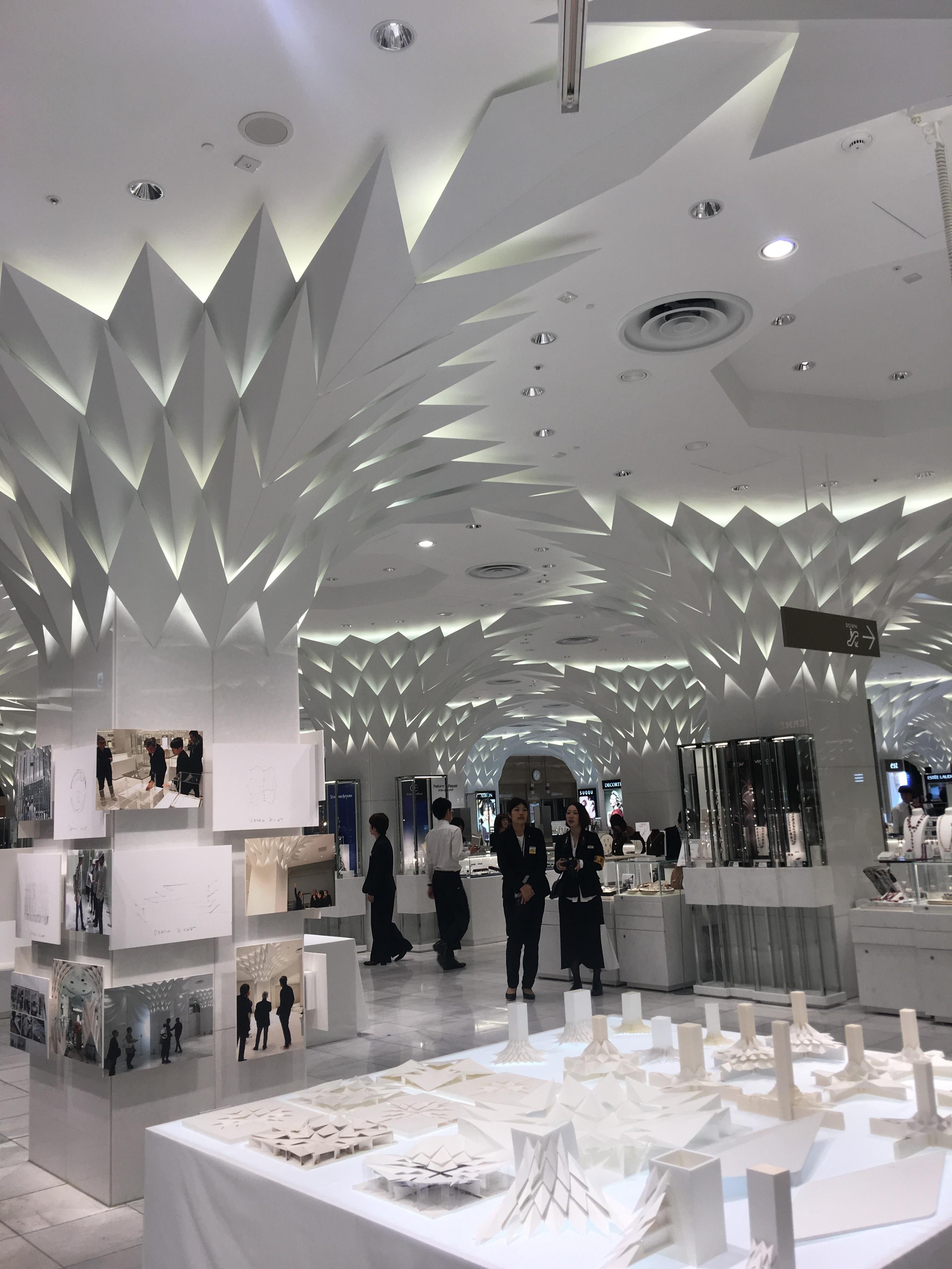新しくなった日本橋三越本店で大人のファッションを楽しもう!_1_1