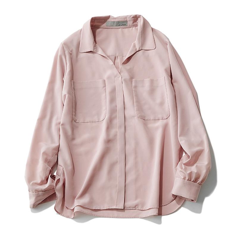 """大人の可愛げ""""くすみピンク""""シャツは、肌なじみの良さで選んで_1_2-1"""