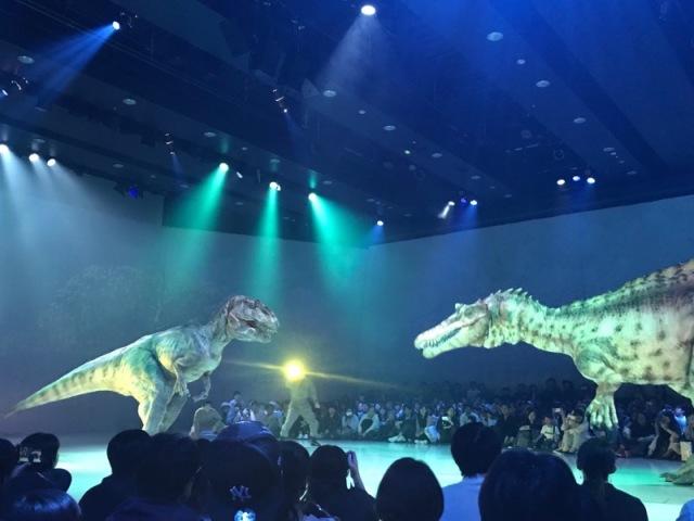 渋谷の中心でティラノサウルスに襲われる_1_7