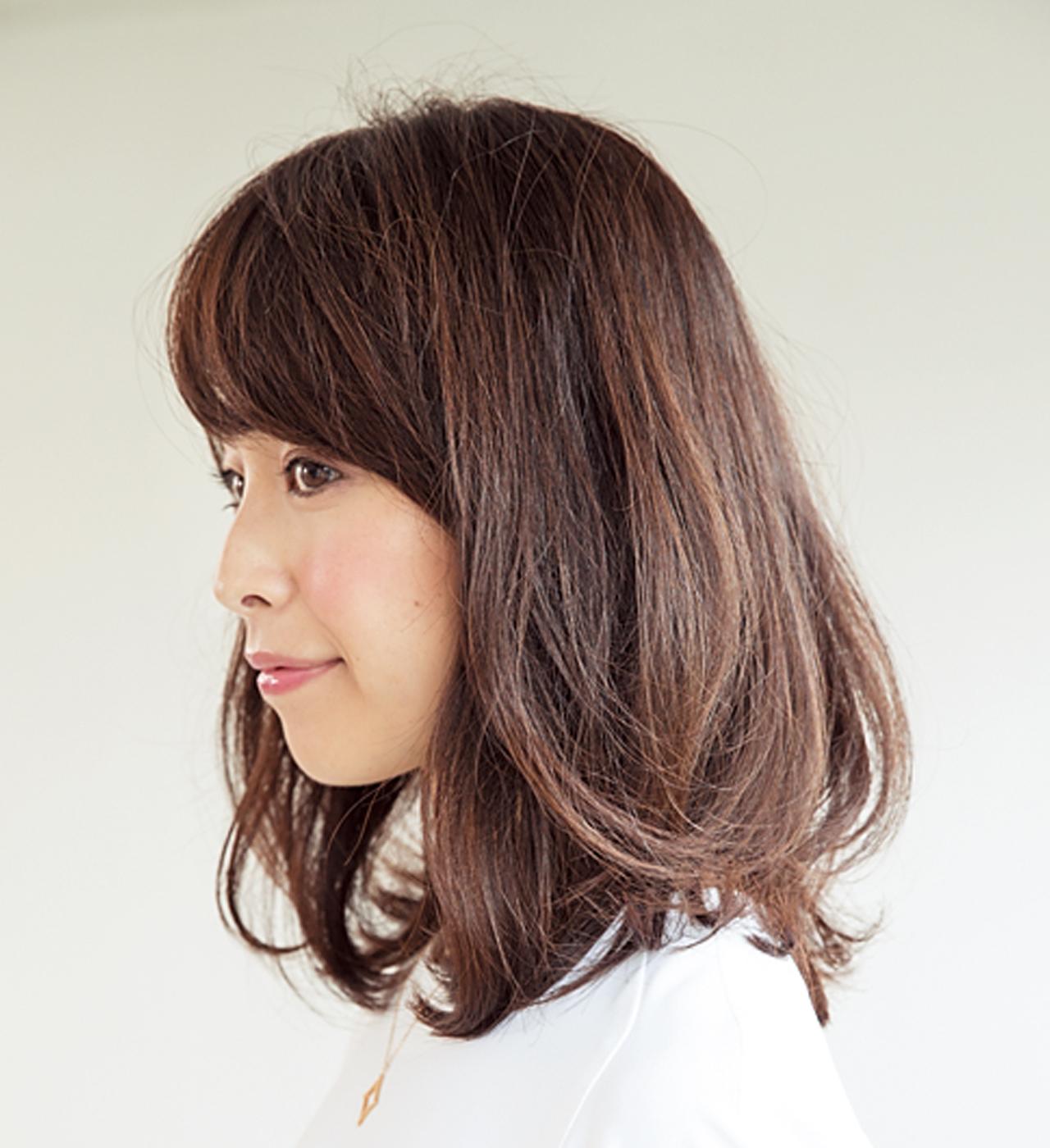 若見え効果抜群!丸みのある前髪で表情まで柔らかに【40代のミディアムヘア】_1_2