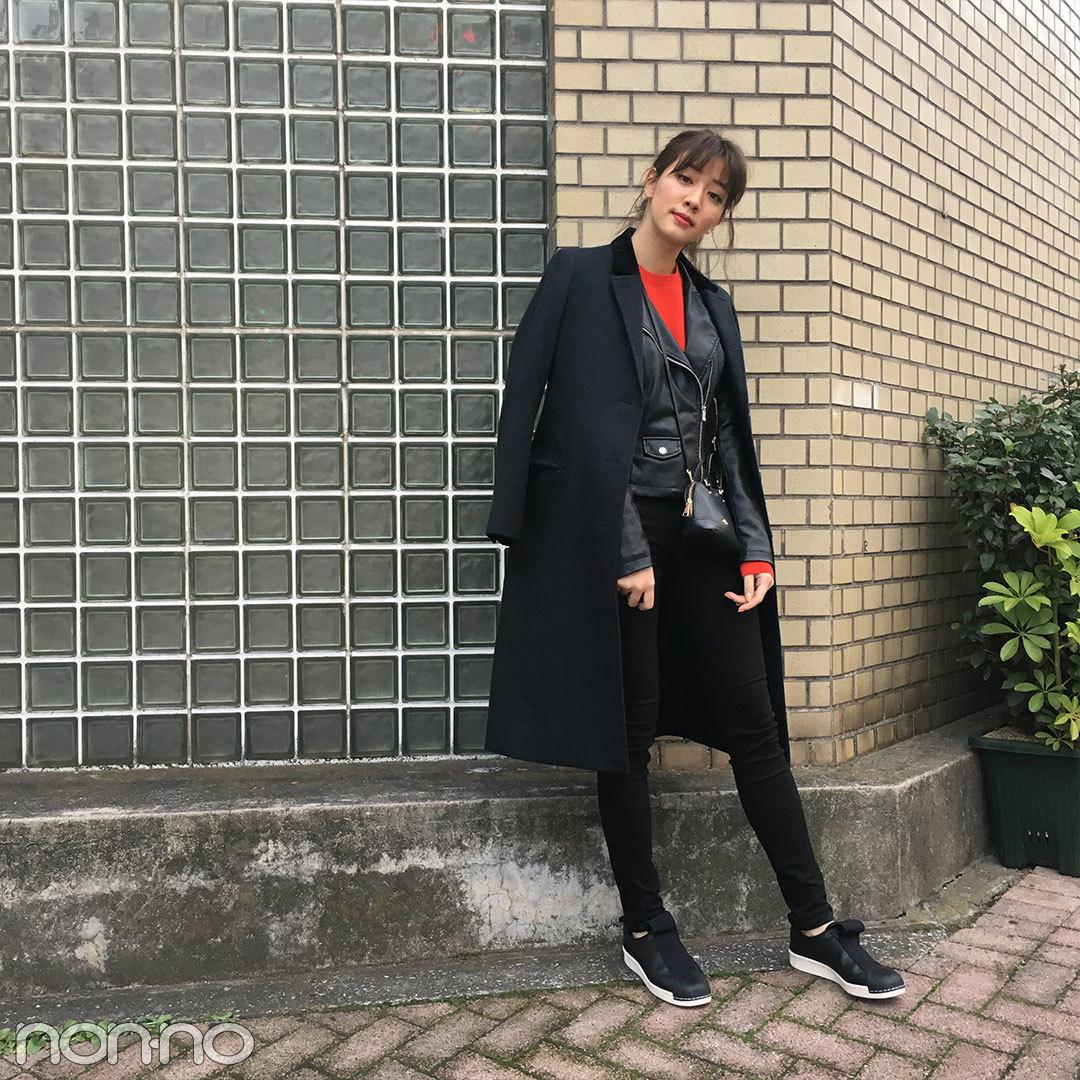 岡本杏理はZARAのライダースをコートイン&UNIQLOの赤ニットをポイントに【モデルの私服】_1_1