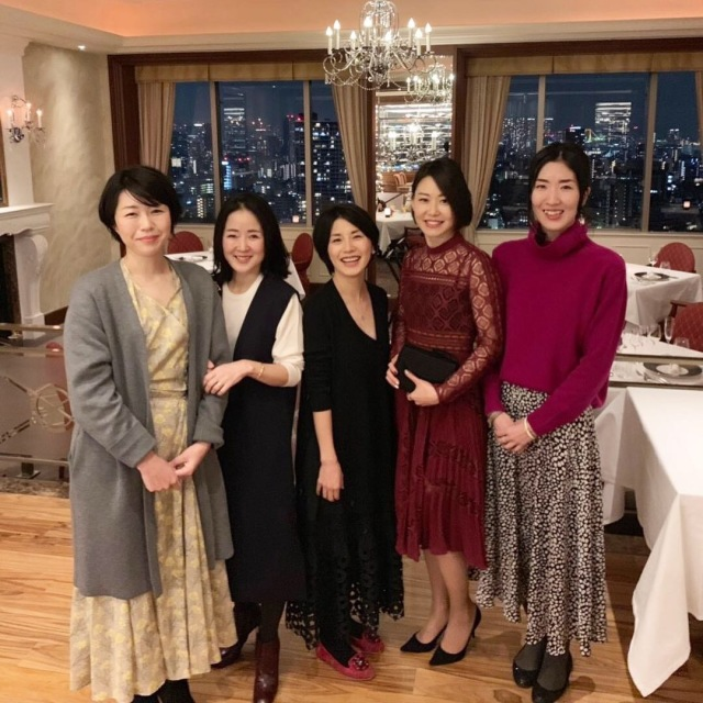 美女組メンバー集合!は、夜景が綺麗で美味しいレストラン!_1_2-1