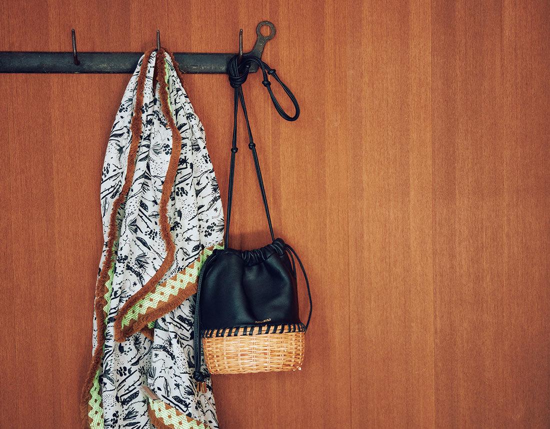 【40代におすすめの夏バッグ】コーデにメリハリを出す2021夏のトレンドバッグとは?|アラフォーファッション_1_8