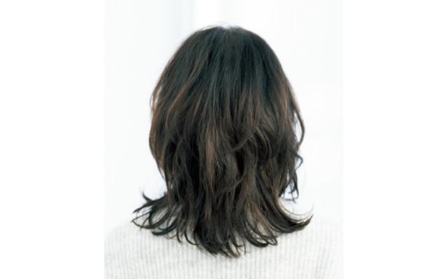 前髪アリはトップ短めのくびれヘアに