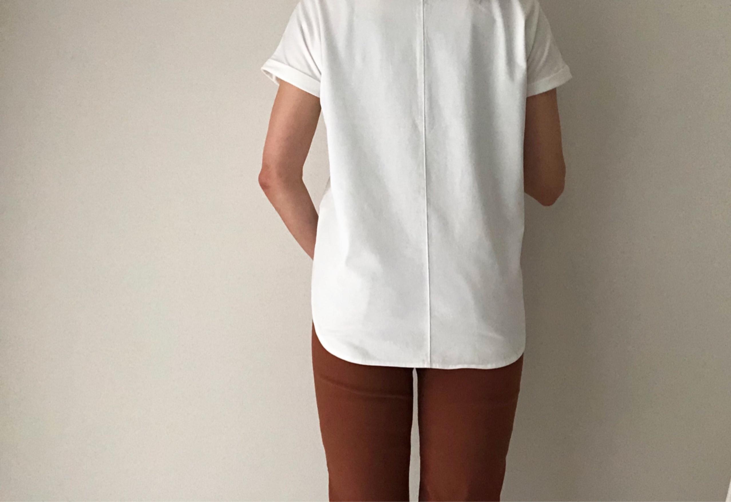 定番白Tシャツ、今年はゆったりめで。_1_3