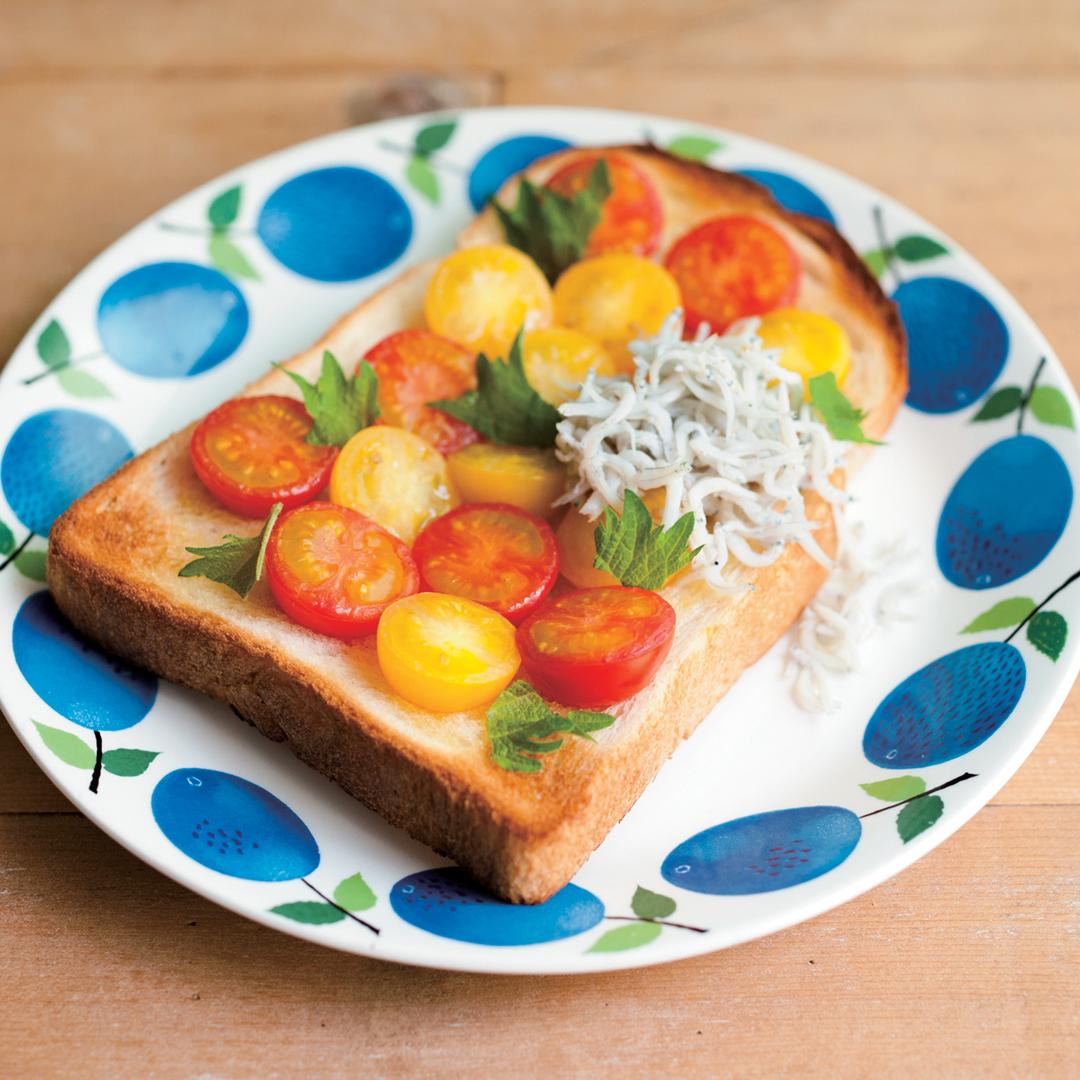トマトしらすトースト