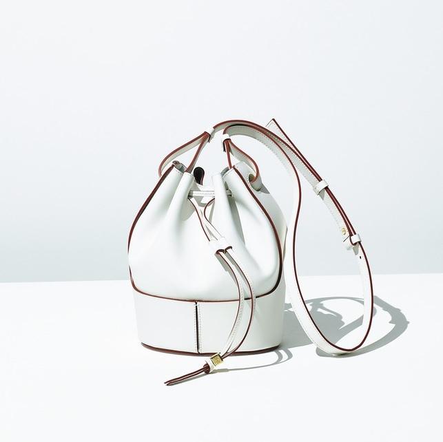 ファッション ロエベのバケットバッグ