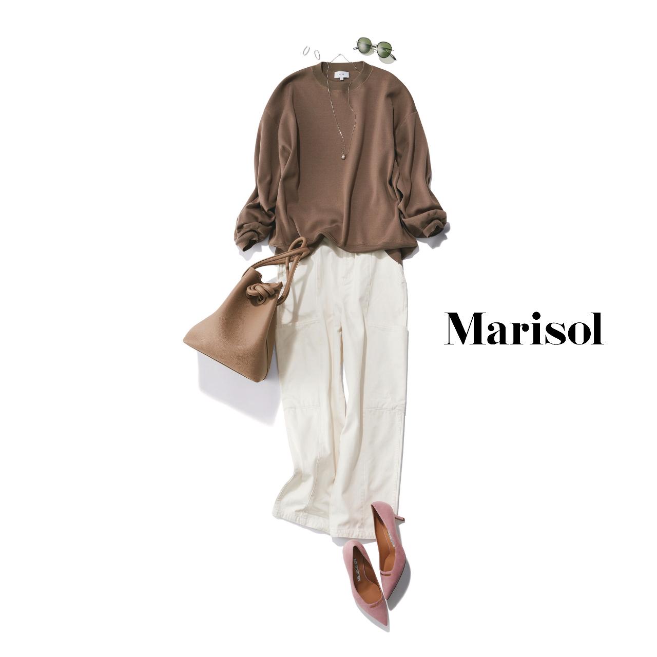 40代ファッション  ブラウンスウェット×白カーゴパンツコーデ
