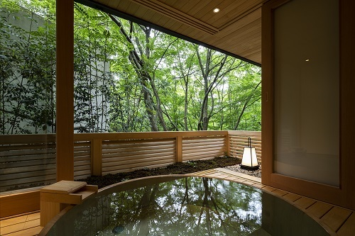 べにや無何有の客室露天風呂