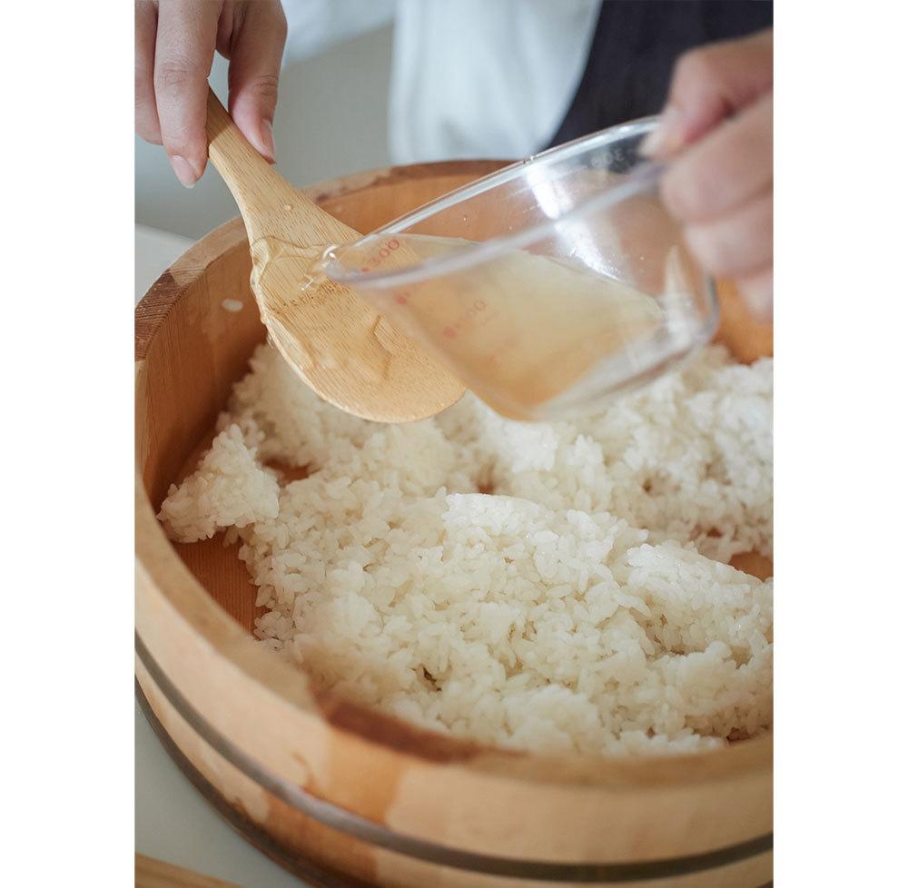 ぷちぷちスパイラルが止まらない美味しさ!イクラととんぶりのお寿司【平野由希子のおつまみレシピ #38】_1_3