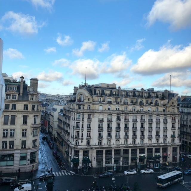 オフィスから見えるオペラ地区。