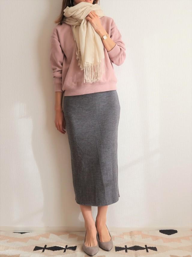 GU990円!くすみピンクで春まで着られる大人スウェットコーデにトライ_1_4