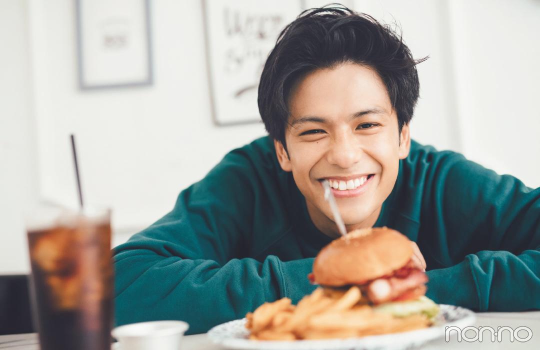 【ウェブ限定オフショ公開】森崎ウィンさんとハンバーガーショップでデート!_1_2