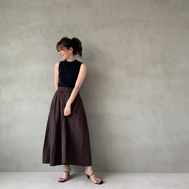 「GU」タフタフレアミディスカート