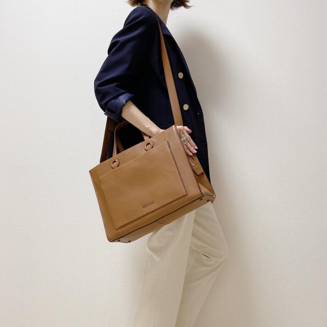 【COLEHAAN】通勤コーデのお洒落格上げに。ブラウンバッグがおすすめ!_1_3