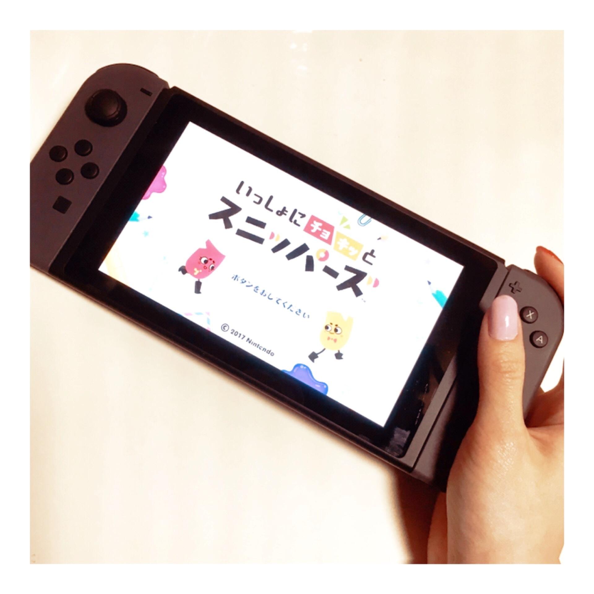 ゲーマー女子♡大人気で入手困難!?『 Nintendo switch 』_1_2