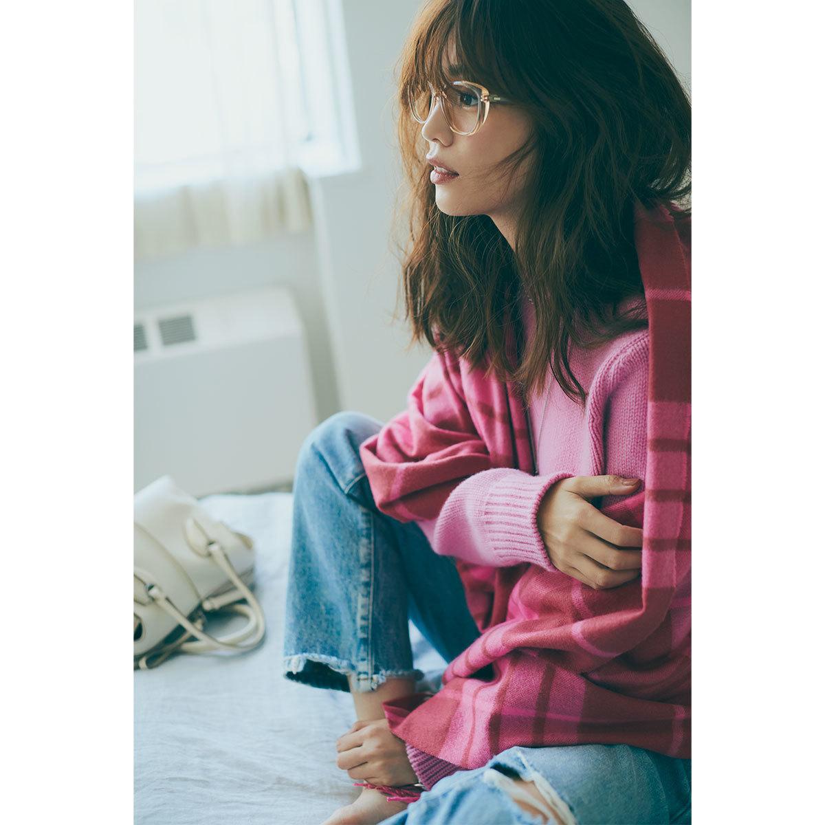 蛯原友里・休みの日にきる「ピンク」1