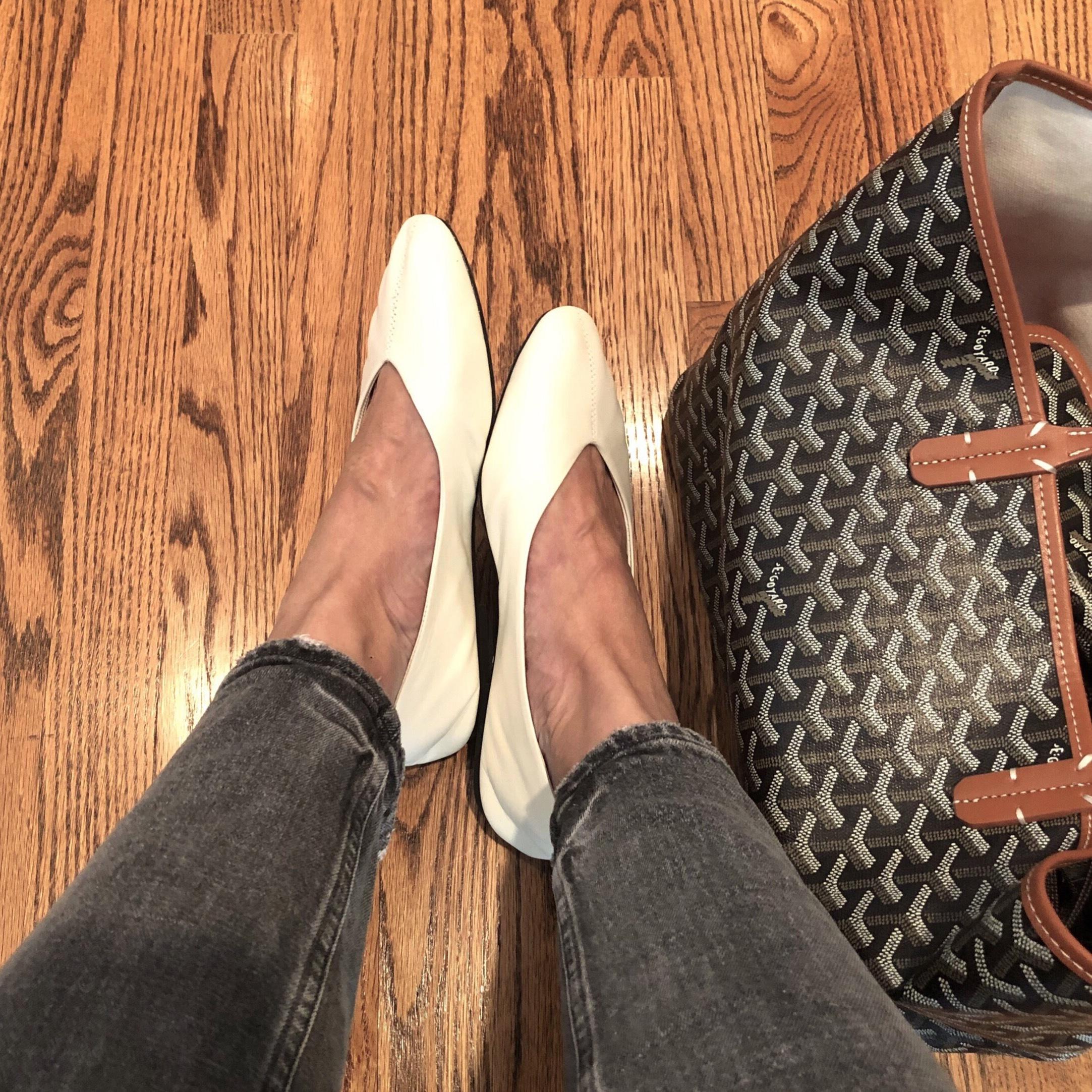 冬でも軽やかな靴で_1_2
