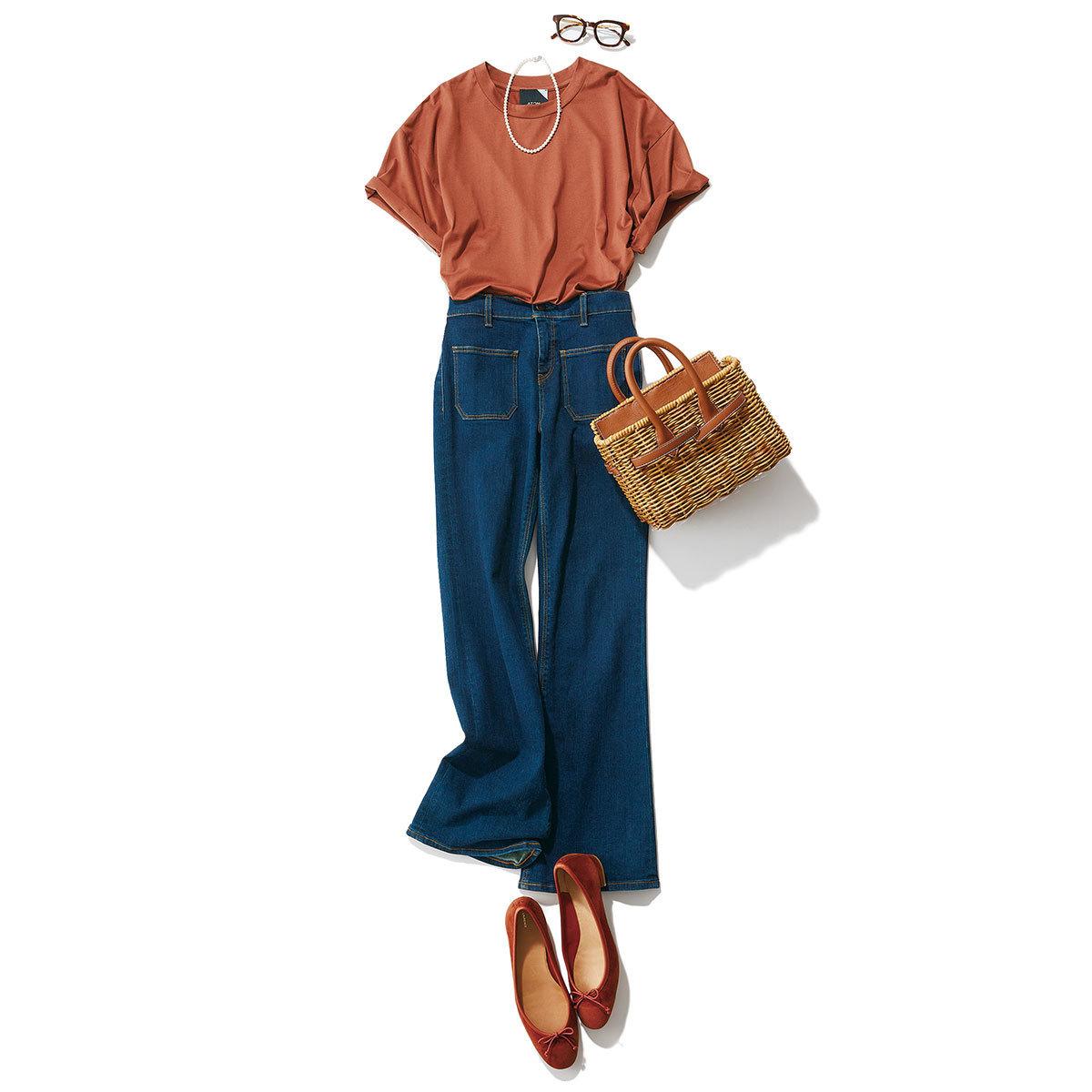 Tシャツ×デニムパンツの「スパイス ブラウン」コーデ