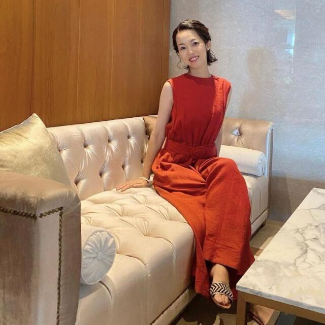この夏「ブリックレッド」のドレスは、オールインワンで決まり!!_1_2