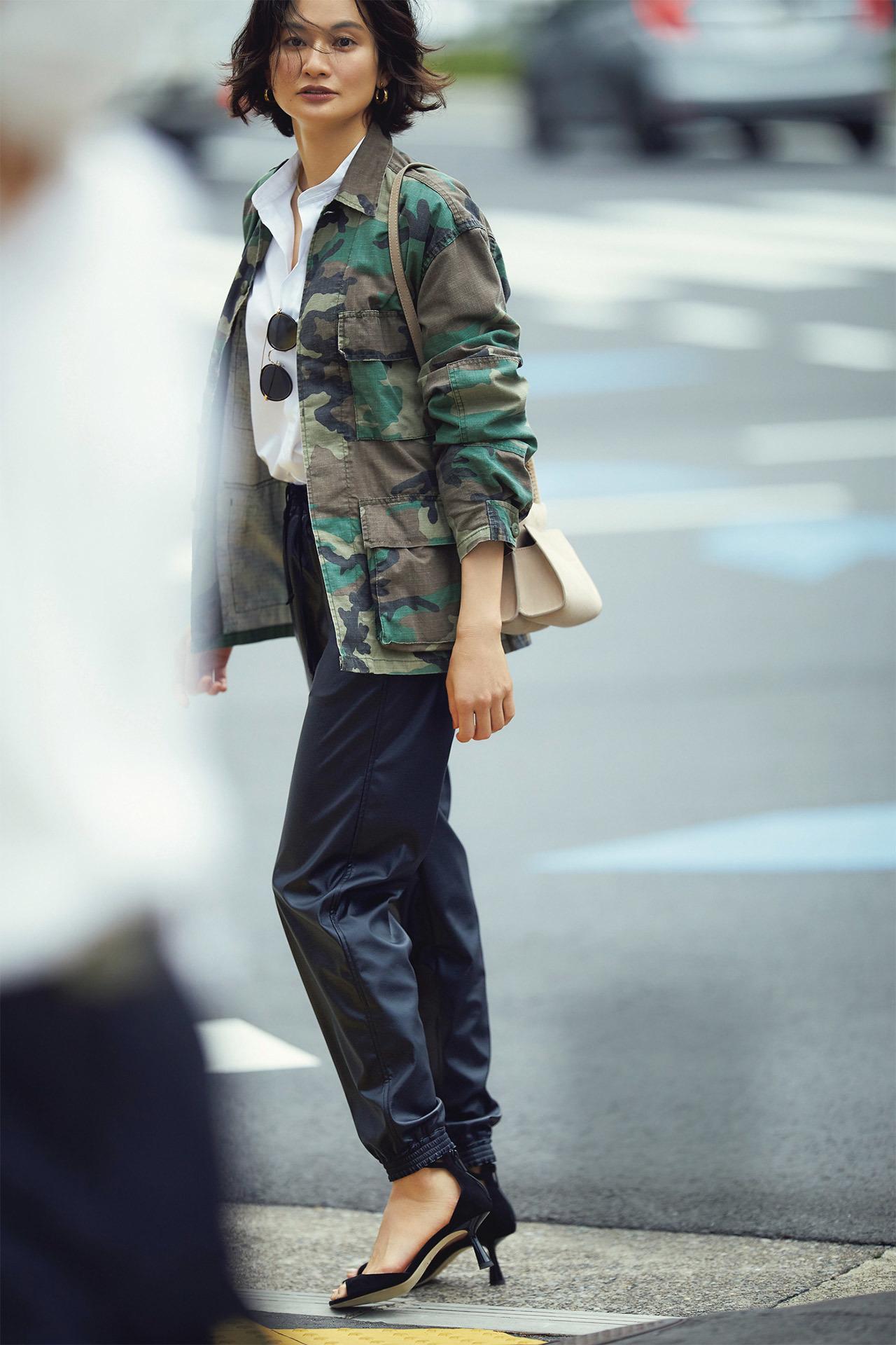 平均気温25度の初秋にベストな服装は? 季節の変わり目に着たいコーデ|40代ファッションまとめ_1_12