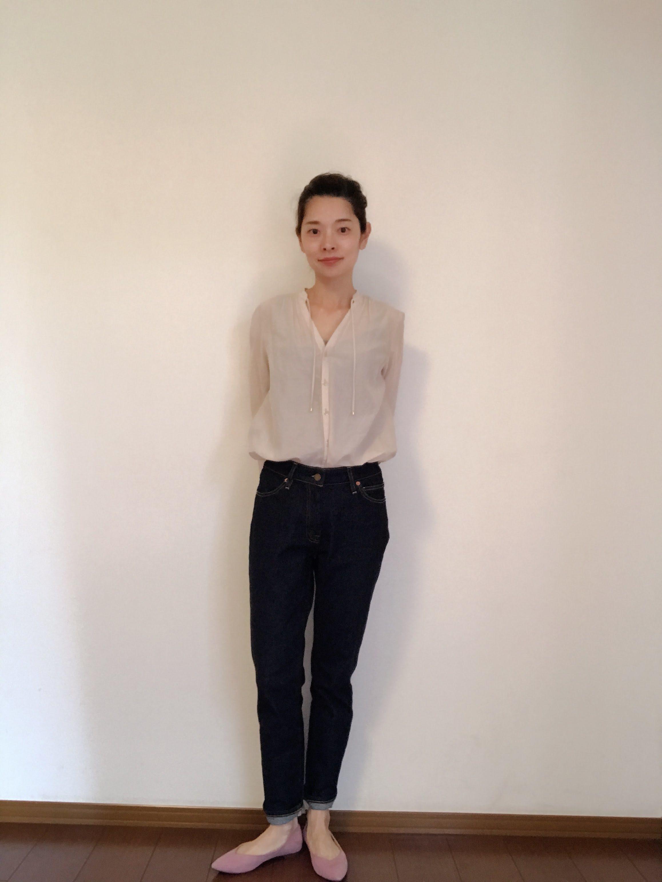 濃紺デニムをきれいめシャツで着回し!_1_1-2