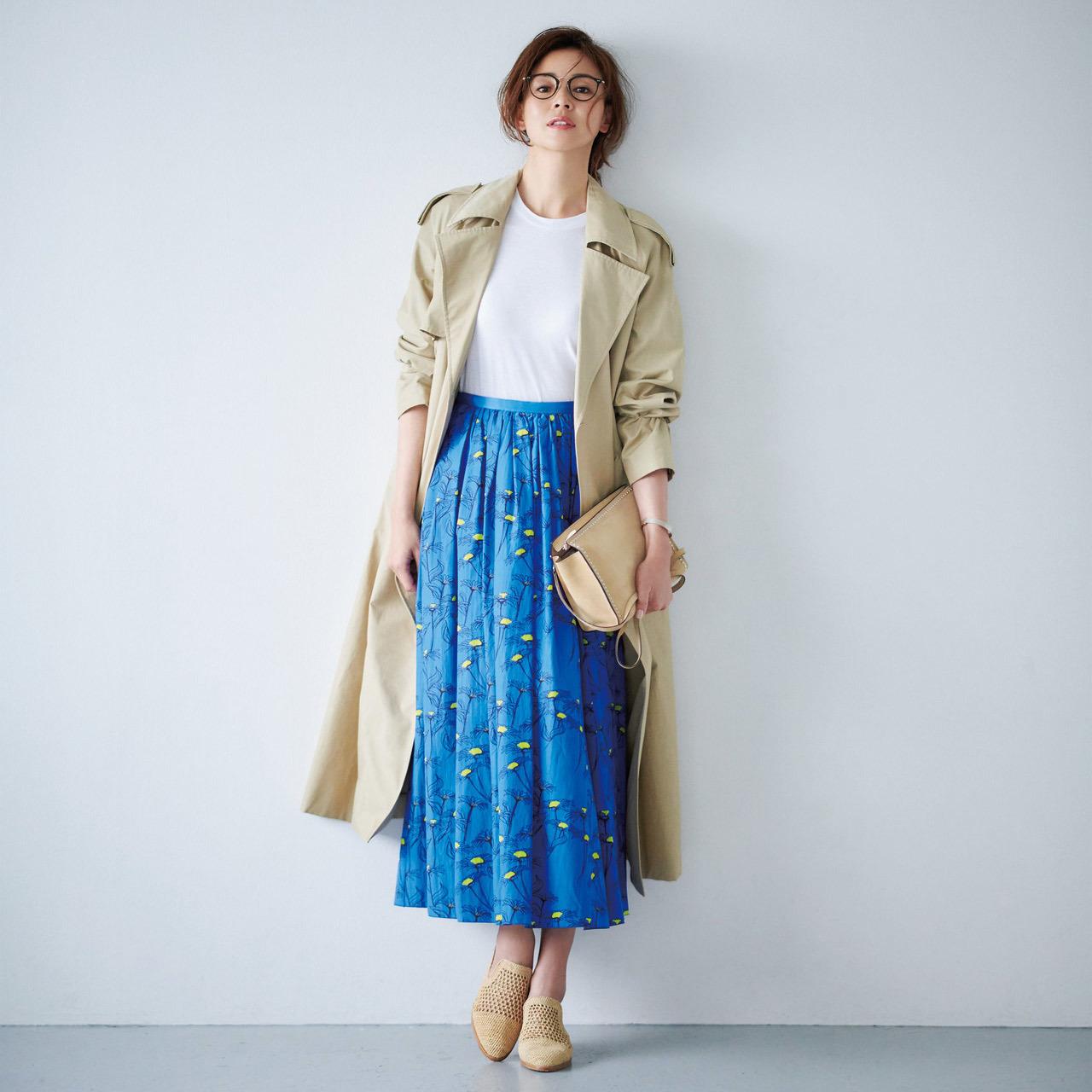 フラワープリントスカート×メッシュスリッパコーデ