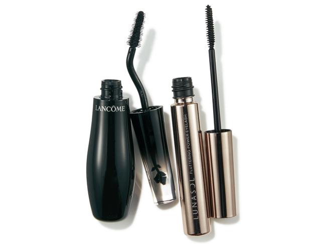 (右)カネボウ化粧品 ルナソル フラッタリングパワーアイラッシュ 01、(左)ランコム グランディオーズ ノワール ミリフィック