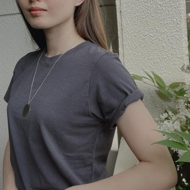 TシャツコーデはAK+1のニュアンスカラーで_1_3-2