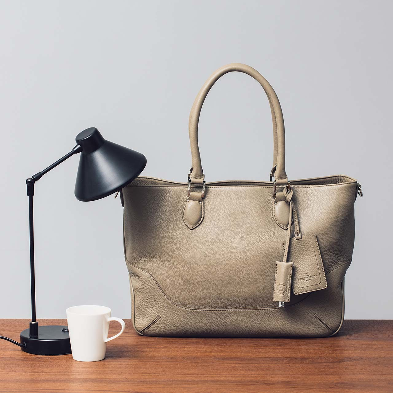 B4サイズのペッレ モルビダのバッグ
