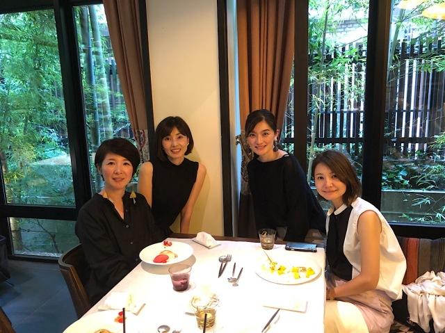 左から、mamiさん、私、yukinoちゃん、こんちゃん、です。