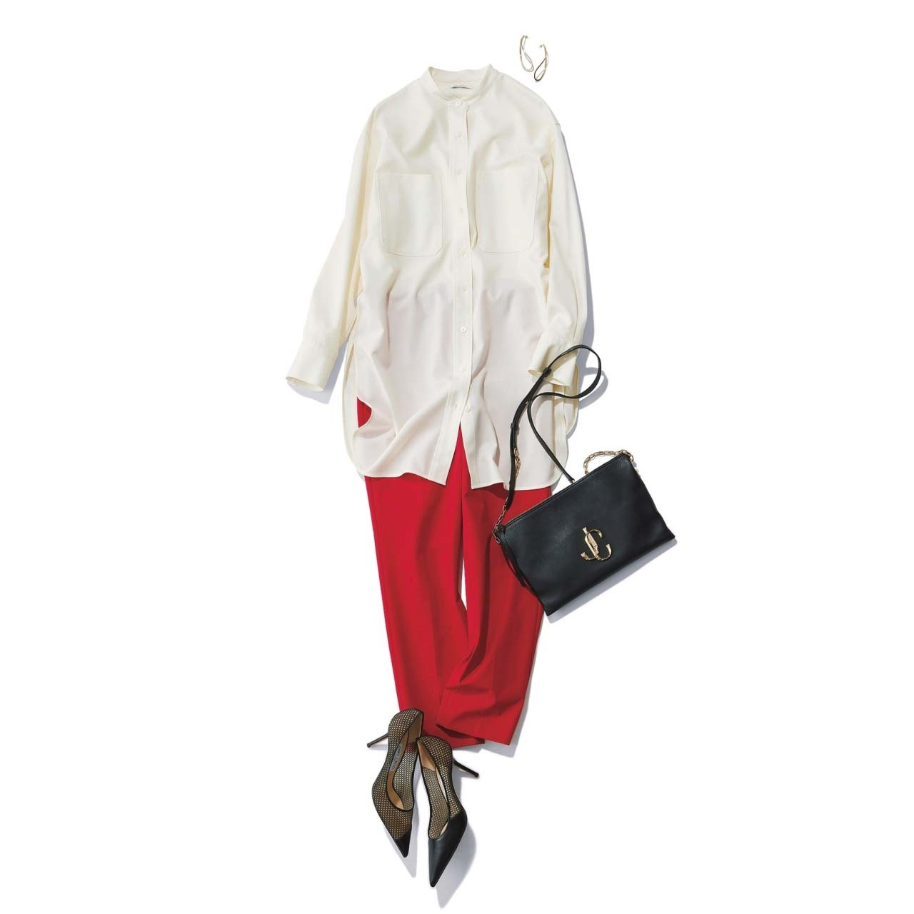 赤のパンツ×バンドカラーのシャツコーデ
