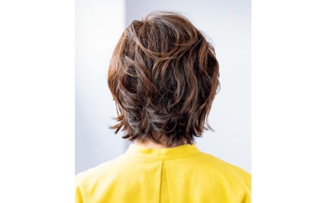 硬く広がる髪質をボリュームコントロール バック